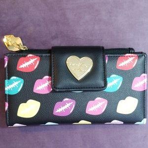 Betsey Johnson Luv Lips Wallet